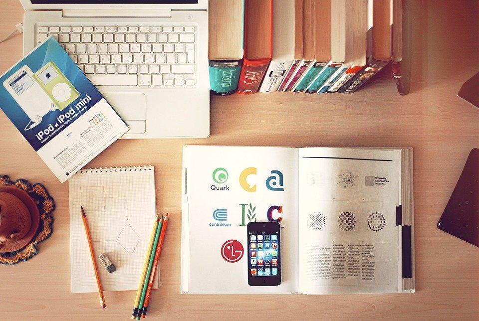 Bærbare, Arbeidsplassen, Desk, Iphone, Bibliotek